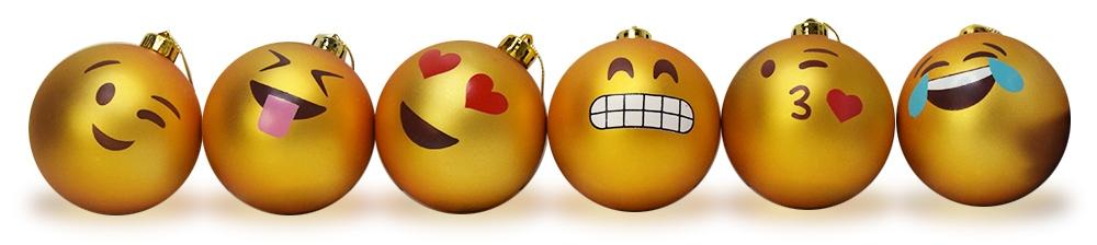 Deze leuke Emoji Kerstballen vrolijken jouw boom op!