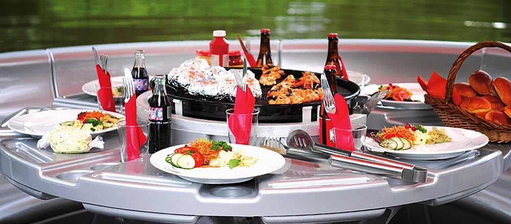 Barbecue Boot is een boot met een ingebouwde barbeque.Heerlijk voor als het lekker weer is!