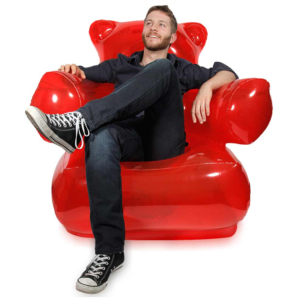 Grote rode Giant gummy bear chair. Bekend van Harbio