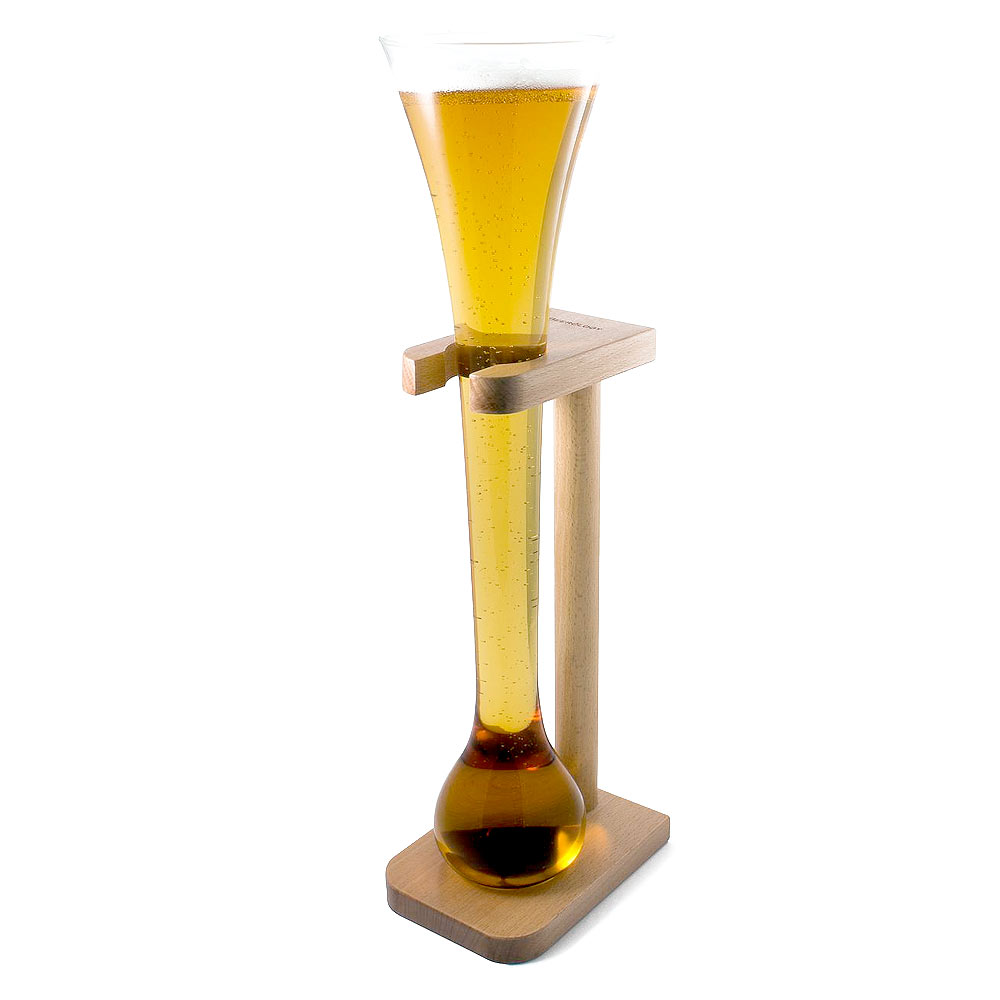 Groot bierglas met bol aan de onderkant