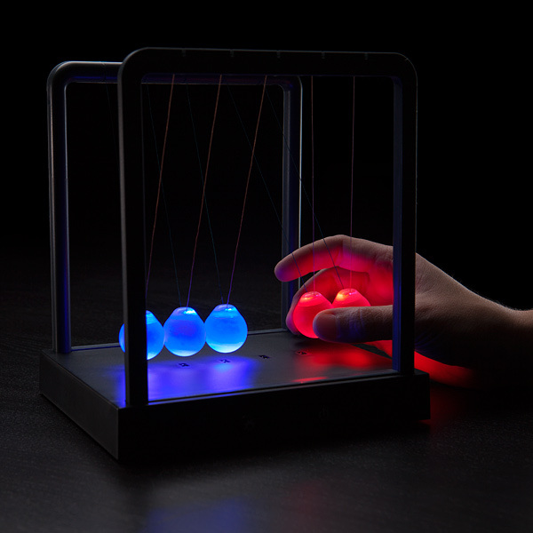 LED Newton's Cradle | MegaGadgets