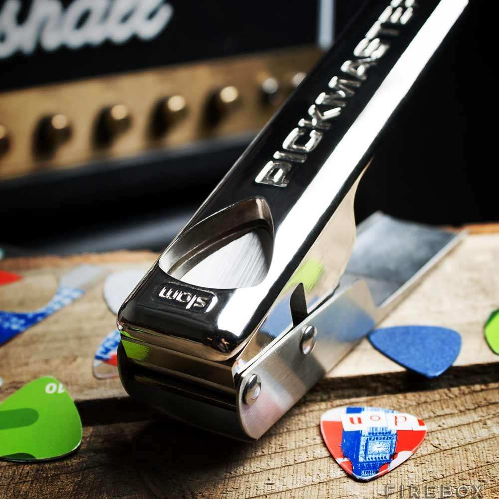 Pickmaster Plectrum Punch | MegaGadgets