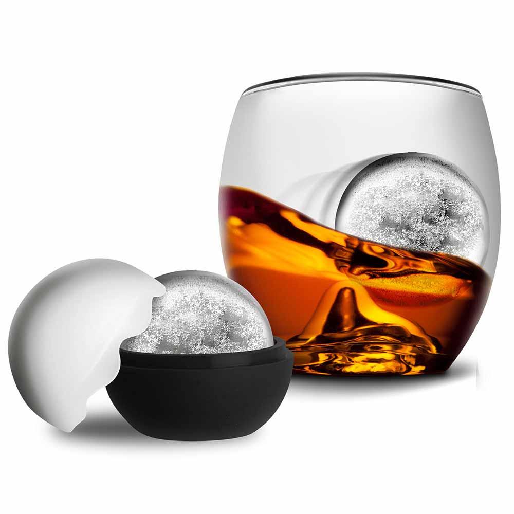Maak een echte whiskey on the rocks met dit speciale glas met ijsbal