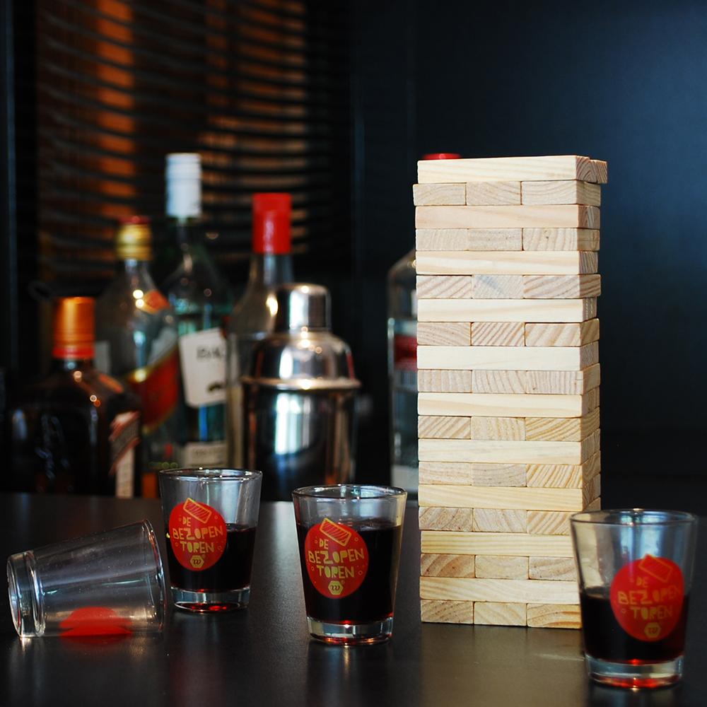 Dit Jenga Drankspel blaast een oud spel nieuw leven in
