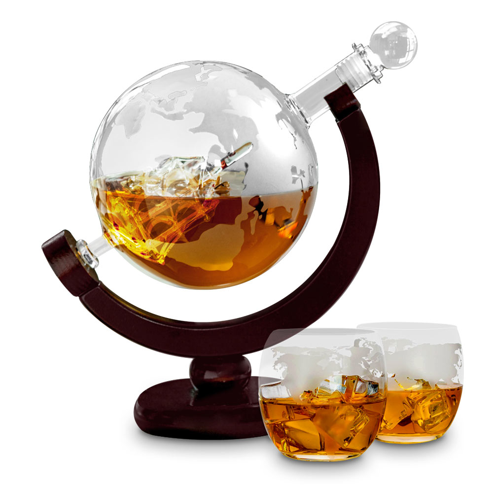 Schenk jouw whiskey in deze chique Globe Decanter Deluxe
